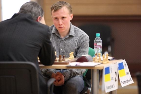 "Ponomariov tries ""the stare"""